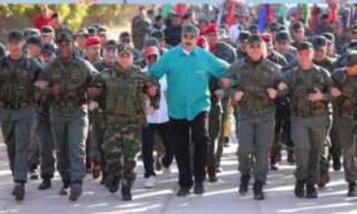 Maduro darbeye karşı tatbikat yaptı