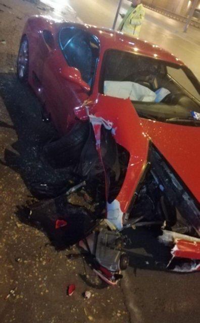 Ünlü manken Cansu Taşkın trafik kazası geçirdi
