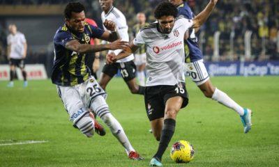 Beşiktaş'a iki yıldızından büyük şok