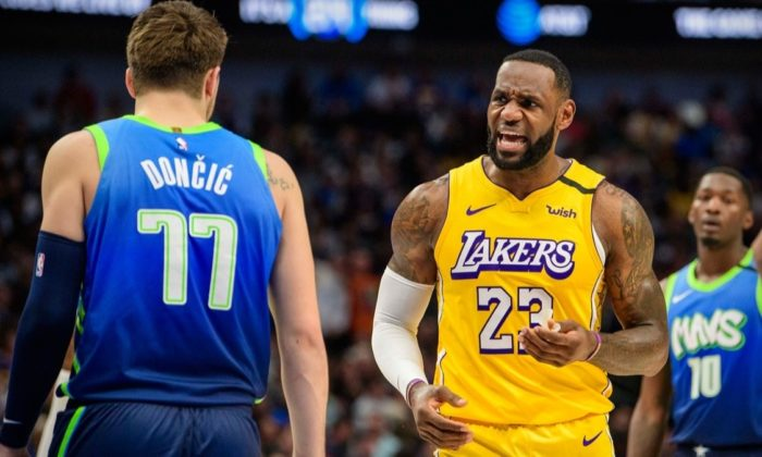 Lakers, LeBron James'in tarihe geçtiği maçta Mavericks'i devirdi