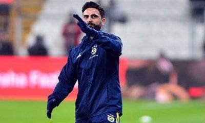 Mehmet Ekici'nin Fenerbahçe'den ayrılmaya niyeti yok
