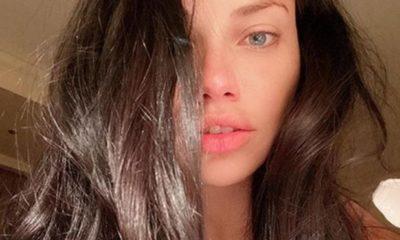 Adriana Lima kafasının üzerinde…