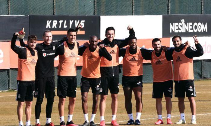 Beşiktaş'ta derbi öncesi Adem Ljajic şoku!