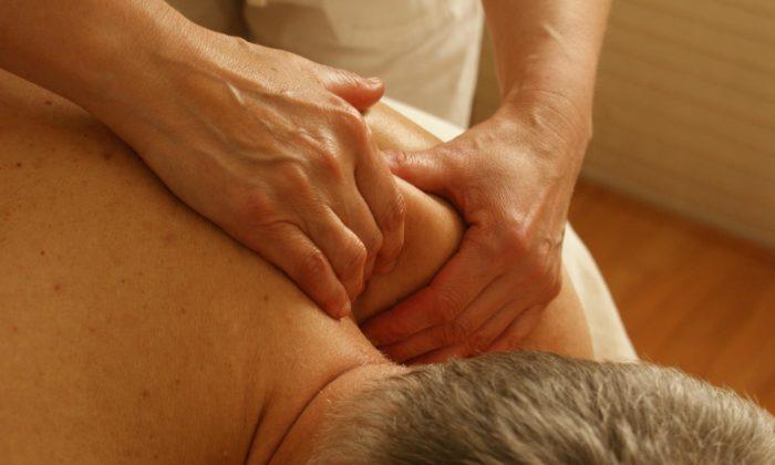 Geçmeyen omuz ağrısı ve tedavisi