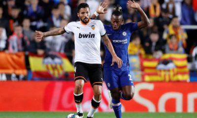 Yıldız futbolcu Garay'ın koronavirüs testi pozitif çıktı