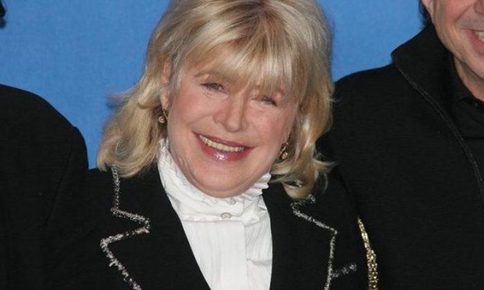 73 yaşındaki Marianne Faithfull'in corona virüsü test sonucu pozitif çıktı