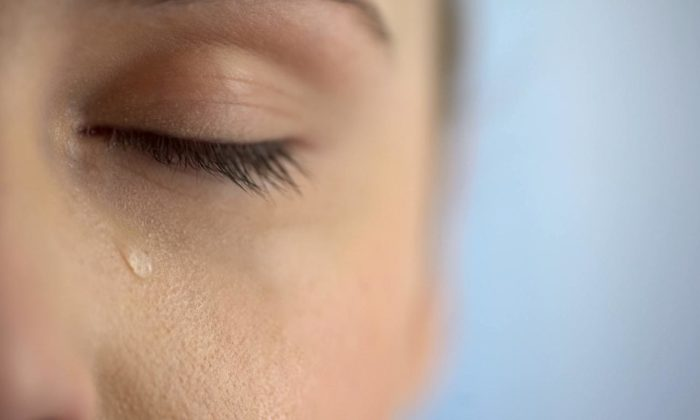 Corona virüs gözyaşına geçebilir