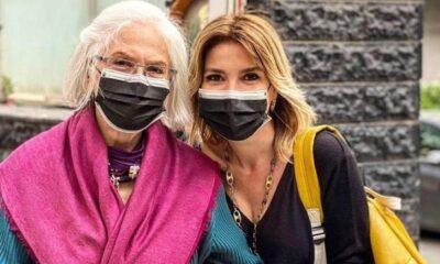 Gülben Ergen ve annesinin sokak mutluluğu