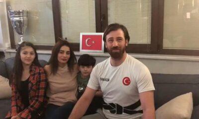 Milli karateci Enes Erkan, evde ailesiyle antrenman yapıyor