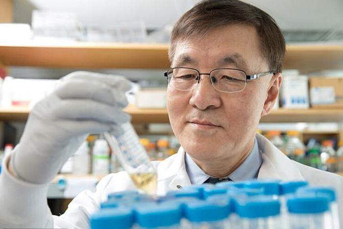 Parkinson tedavisinde çığır açan tedavi: Kendi derisinden beyin...