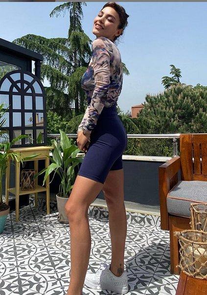 Hazal Filiz Küçükköse'nin teras pozları