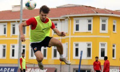 Kayserispor'dan Fenerbahçe maçı öncesi yan top çalışması