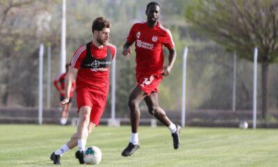 Sivasspor Süper Lig hazırlıklarını iki grup halinde sürdürdü