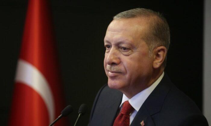 Cumhurbaşkanı Erdoğan: 'Milletimizin desteğiyle güçlü bir dijital farkındalık oluşturacak, geleceğe umutla bakacağız'