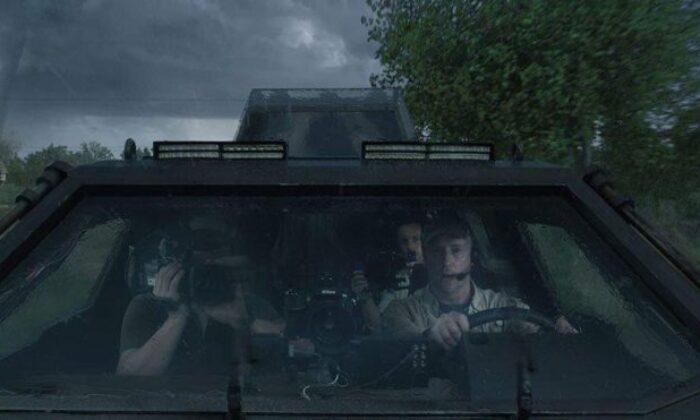 Fırtınanın İçinde filminin konusu ne? Fırtınanın İçinde oyuncuları kimler?