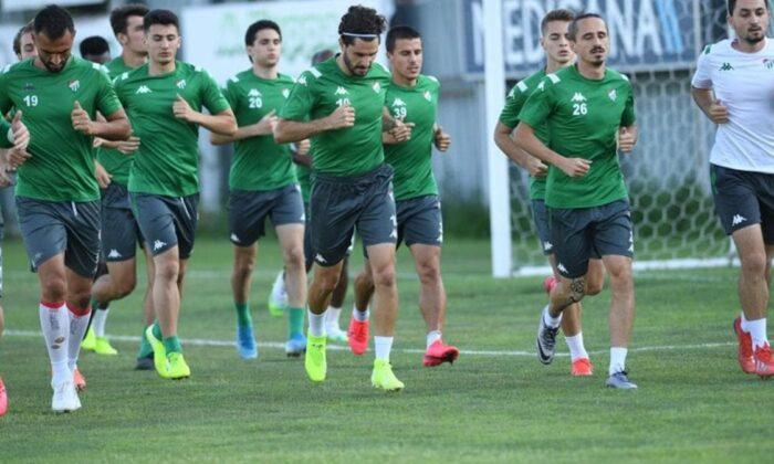 Bursaspor yeni sezonu 44 futbolcuyla açacak