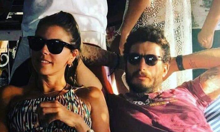 Esra Eron ve Efe Gürsoy çifti ayrılığa dayanamadı