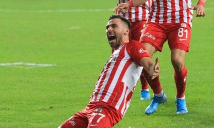 Fenerbahçe bir transferi daha bitirdi! Sinan Gümüş'ten 3 yıllık imza