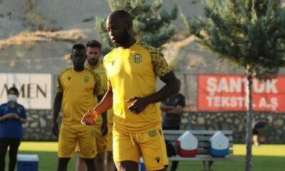 Yeni Malatyaspor'da yeni transferler Cueva ve Herrera kampa yetişiyor