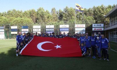 Fenerbahçe'de Enner Valencia, ilk kez antrenmanda