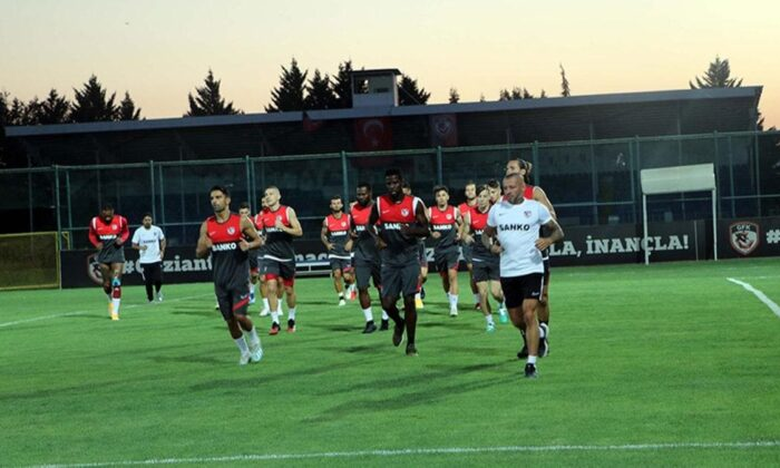 Gaziantep FK, Galatasaray maçında tam kadro