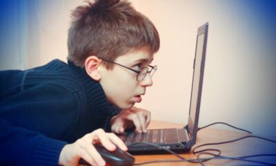 Anne-babalar dikkat: Oyun bağımlılığı kamburlaştırıyor!