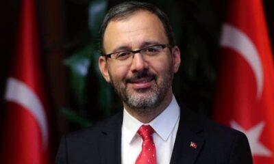 Bakan Kasapoğlu'dan Milli Voleybol Takımı'na tebrik