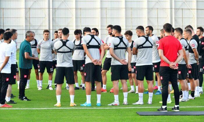 İsmail Kartal Konyaspor'da ilk antrenmanına çıktı