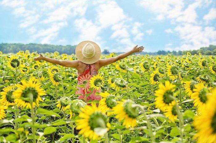 Sürekli mutlu hissetmek zorunda değilsiniz: Toksik pozitiflik...