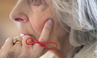 Alzheimer nedir? Alzheimer hastalığı belirtileri nelerdir?