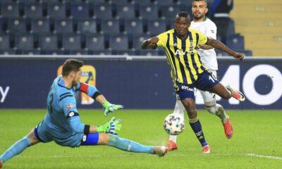 Fenerbahçe'de Samatta en az 10 gün yok