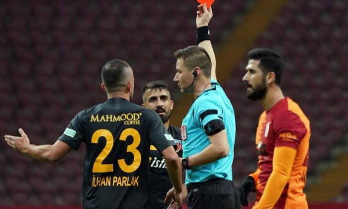 Kayserispor'dan Muğdat Çelik'e ceza