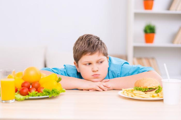 Online eğitim sürecinde çocukların sağlığını tehdit eden 10...