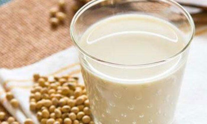 Soya sütünün faydaları ve bilinmeyen zararları nelerdir? Neye…