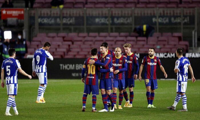Barcelona, Real Sociedad'ı liderlikten indirdi