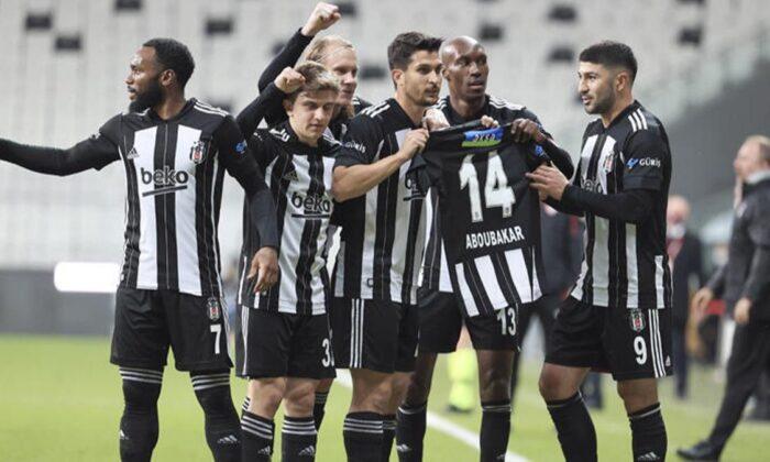 Beşiktaş'ta futbolcular Aboubakar'ı unutmadı