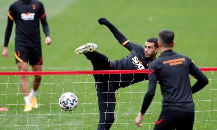 Galatasaray'da, Kayserispor mesaisi sürüyor
