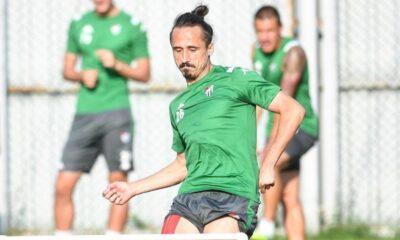 Serdar Özkan Bursaspor'dan ayrıldı