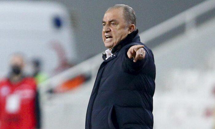 """Terim'den Saracchi ve Marcao'ya övgü: """"Bana böyle adamlar lazım"""""""