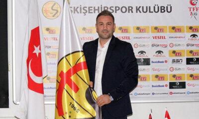 Eskişehirspor'da İlhan Var ile yollar ayrıldı