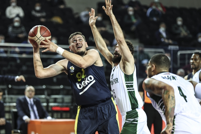 Fenerbahçe, Ankara deplasmanından galibiyetle dönüyor