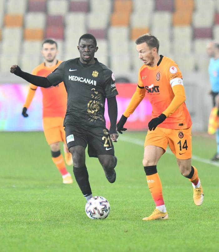 Galatasaray penaltılarla çeyrek finalde