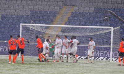 İstanbul'daki kar yağışı Süper Lig maçını böyle etkiledi