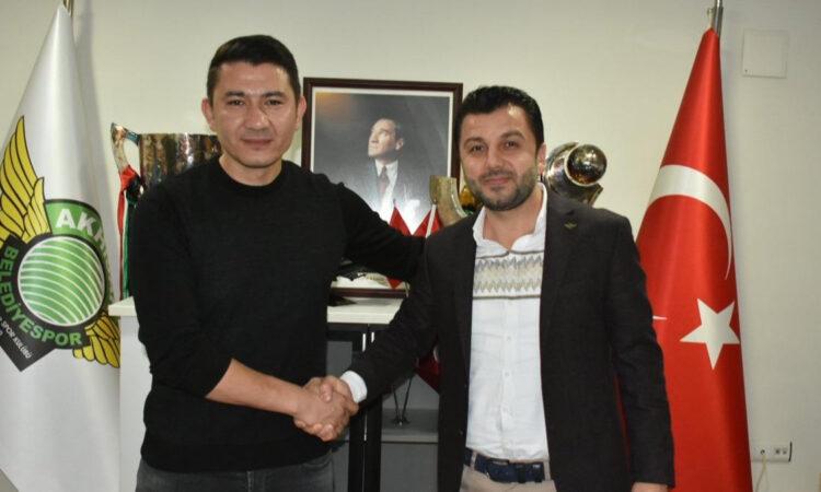 Akhisarspor'un yeni teknik direktörü Fırat Gül oldu