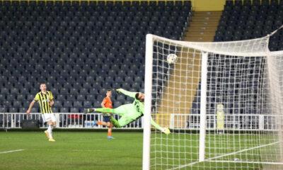 Başakşehir, Fenerbahçe'yi uzatmalarda eledi