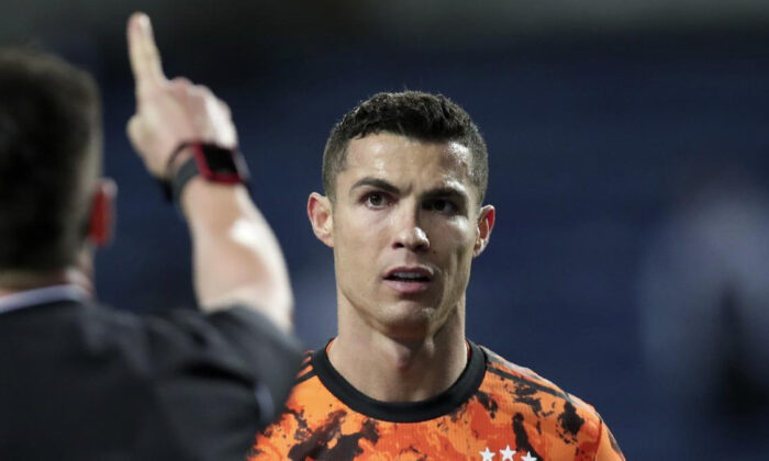 Porto sahasında Juventus'u devirdi