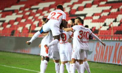 Samsunspor, Bandırmaspor'u farklı geçti