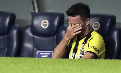 Fenerbahçe'de Gökhan Gönül'den kötü haber