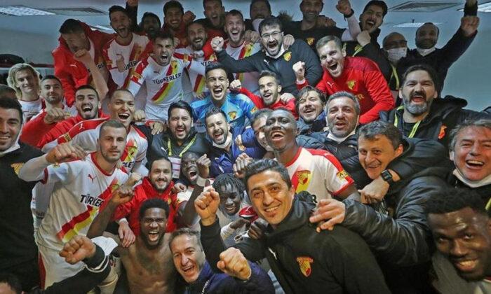 Fenerbahçe'yi yenen Göztepe'de bayram var