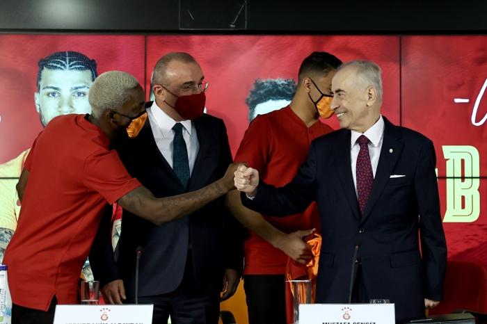 Mostafa Mohamed: Fenerbahçe'den teklif aldım